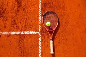 tennis-sandplatz-head-tennisschlaeger1